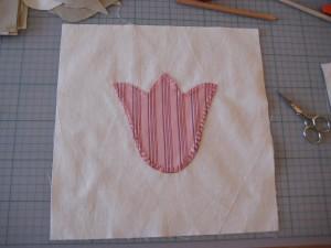 tulipe appliquée aux points de feston