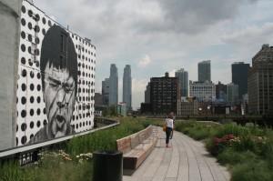 Le début du parcours de la  High Line, à hauteur de la 28ème rue, entre la 10ème et la 11ème avenue